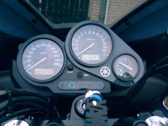 Yamaha FZS Fazer 600Yamaha FZS Fazer 600 Cockpit