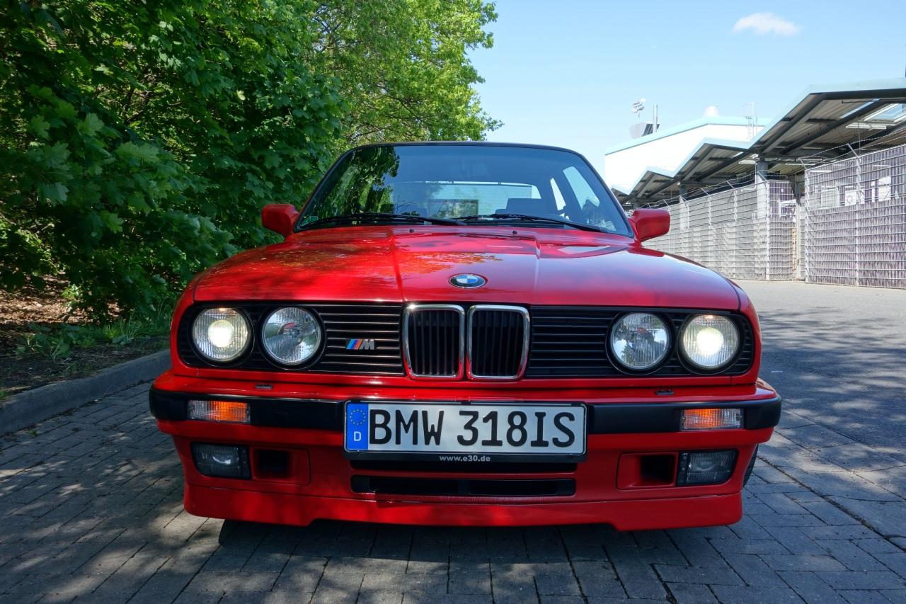 BMW e30 318is 3