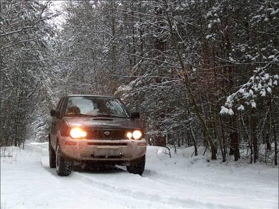 Terrano im Schnee 01