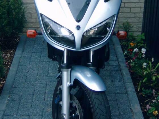 Yamaha FZS Fazer 600